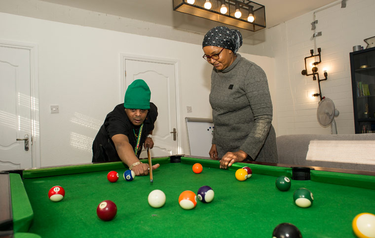 Photo - Habiba playing pool